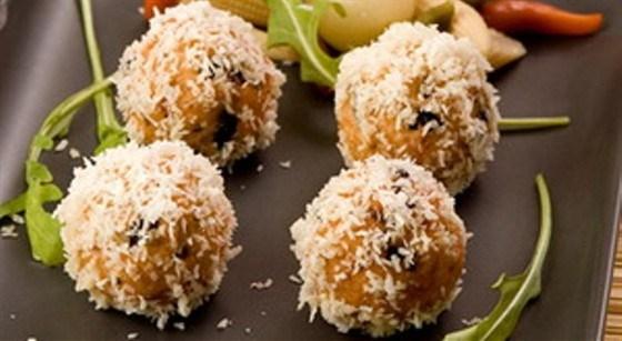 Лососевые шарики в кокосе