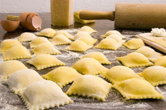 Равиоли с сыром и базиликом