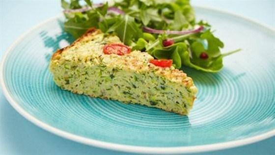 Пирог с цукини, сыром и зеленью