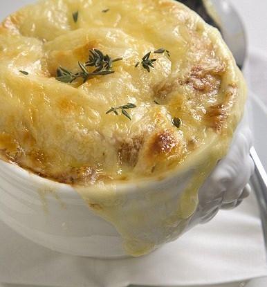 Французский луковый суп с белым сухим вином