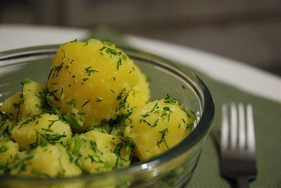 Картофель под соусом бешамель и картофель по-домашнему
