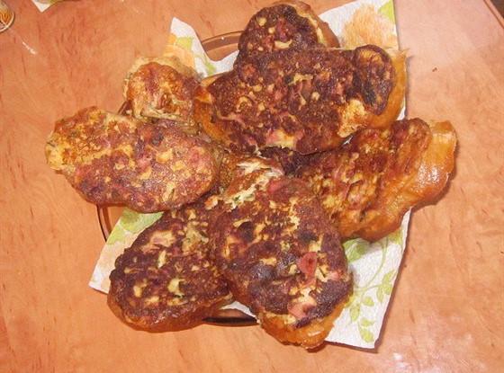 Горячие бутерброды с колбасным сыром