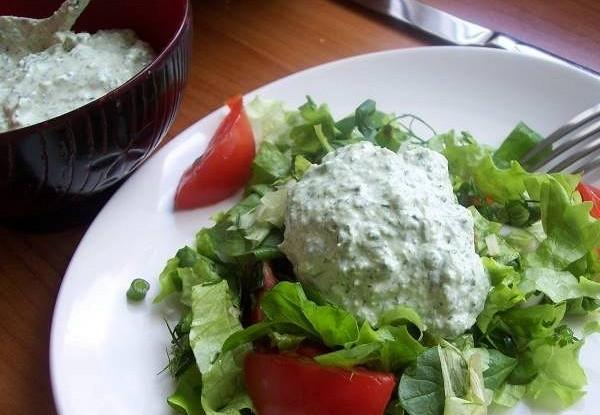Соус с зеленым луком, бульоном и сливками к жареному мясу