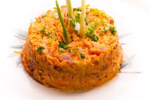Морковный салат с яблоком и фенхелем
