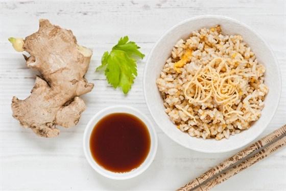 Имбирный жареный рис