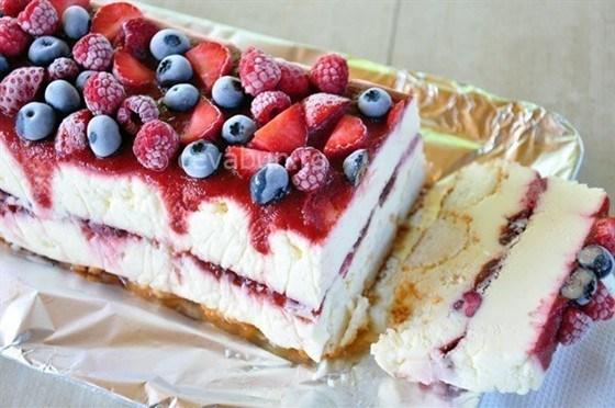 Замороженный творожный торт с белым шоколадом