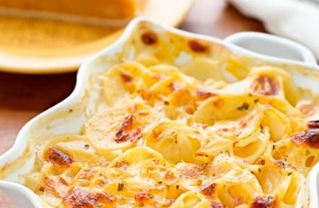 Картофельная запеканка с печенью и изюмом