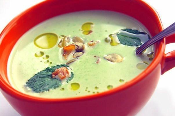 Гороховый суп с мятой