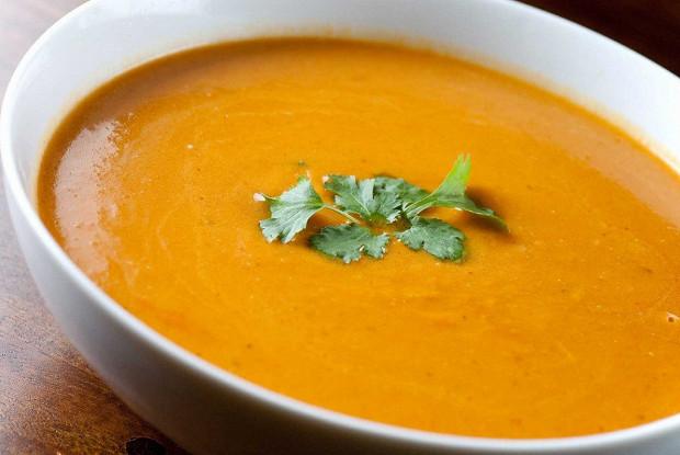 Крем-суп из тыквы с муссом из зеленого горошка