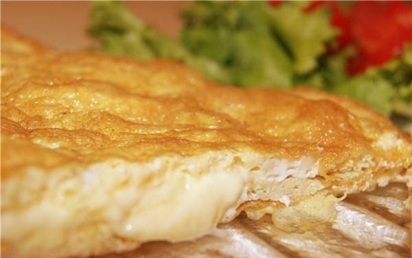 Быстрый омлет с сыром
