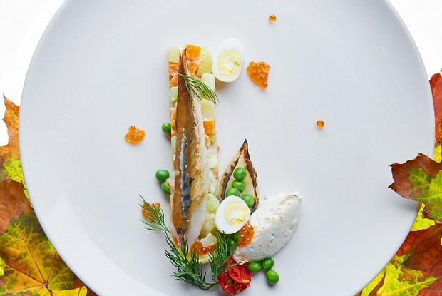 Салат со скумбрией и осенними овощами