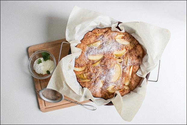 Яблочный пирог на растительном спреде