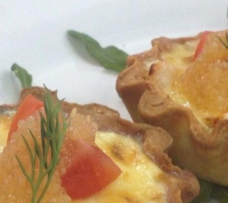 Тарталетки с морепродуктами и щучьей икрой