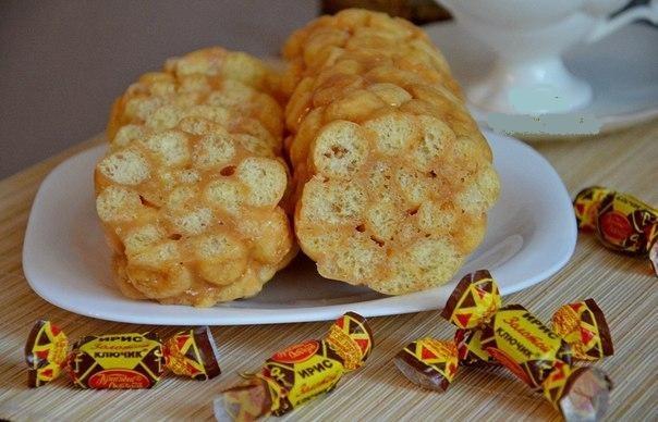 Колбаска из кукурузных палочек с ирисками