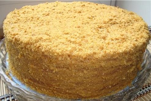 Торт «Медовик» со сметанным кремом и коньяком