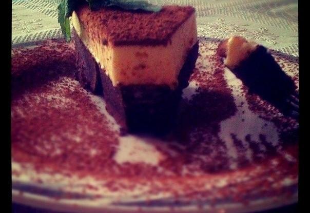Торт трюфельный с муссом из белого шоколада