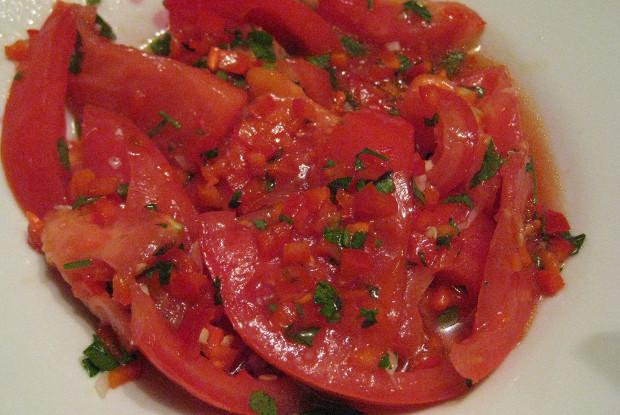 Маринованные помидоры с кинзой