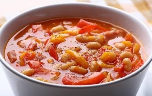 Острый суп с красной фасолью