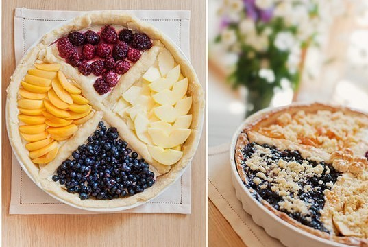 Четырехцветный фруктовый пирог