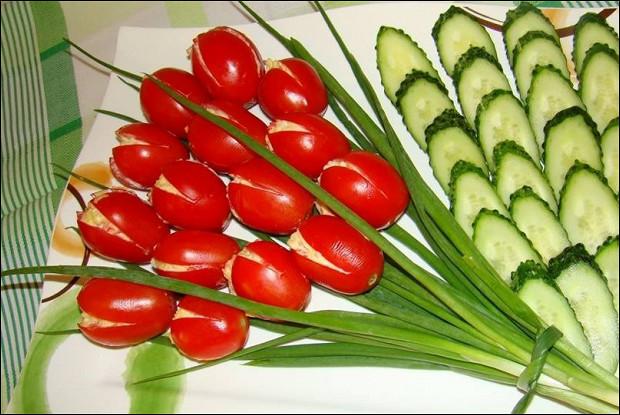 Салат с шампиньонами и фруктами
