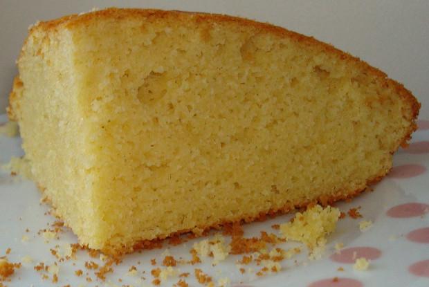Южный кукурузный хлеб в чугунной сковороде
