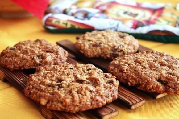 Низкокалорийное овсяное печенье с медом и специями