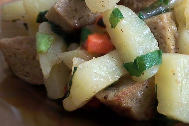 Картошка, тушеная с сейтаном