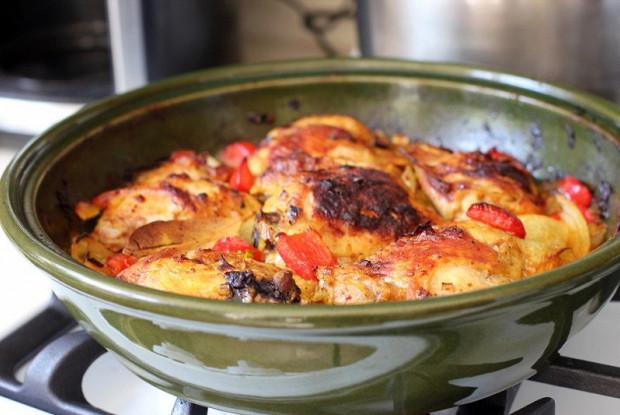 Курица с овощами и куркумой