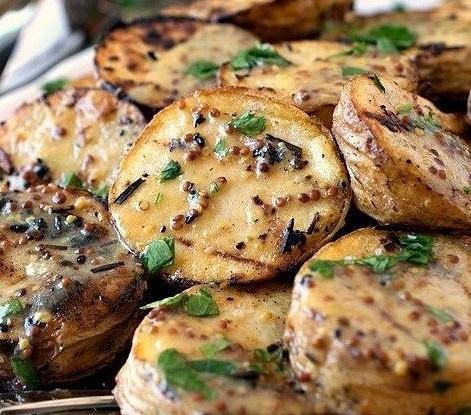 Картофель гриль с горчичным соусом