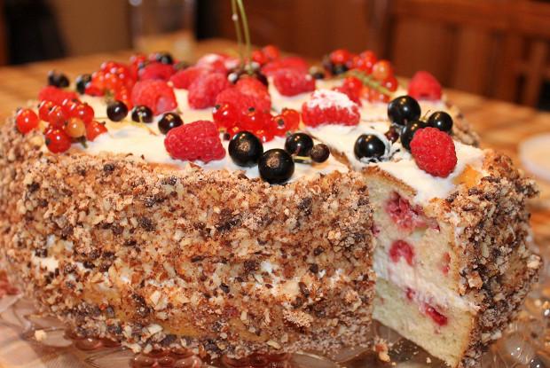 Малиновый торт в мультиварке