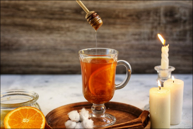 Чай с имбирем, цитрусом, медом и корицей