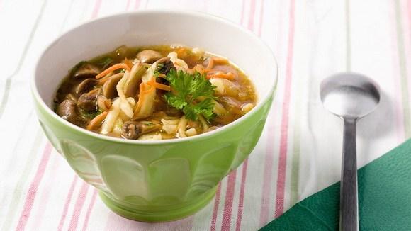Суп с грибами и домашней лапшой