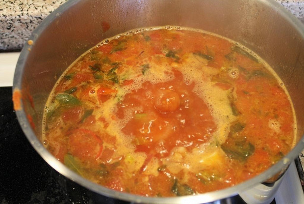 Летний овощной суп с фасолью