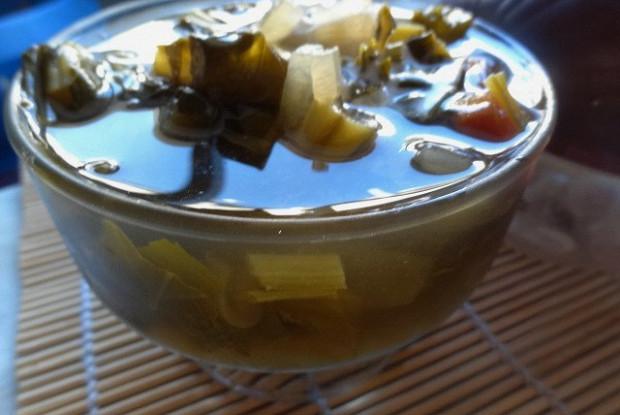 Легкий суп из французской фасоли и шпината
