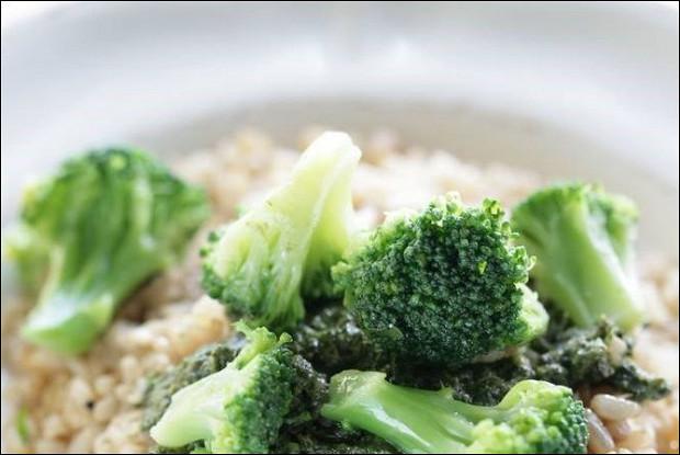 Рис со шпинатом и брокколи в китайском стиле