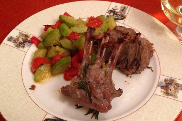 Каре барашка с домашней аджикой и овощным рататуем