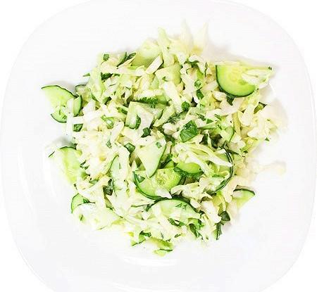 Салат из капусты, редиса и яйца «Весеннее утро»