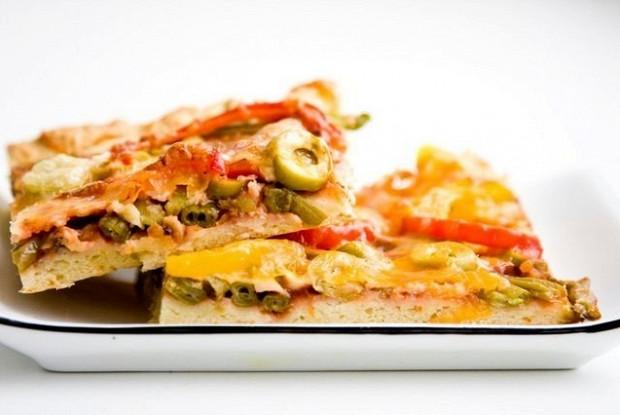 Вегетарианская пицца со стручковой фасолью