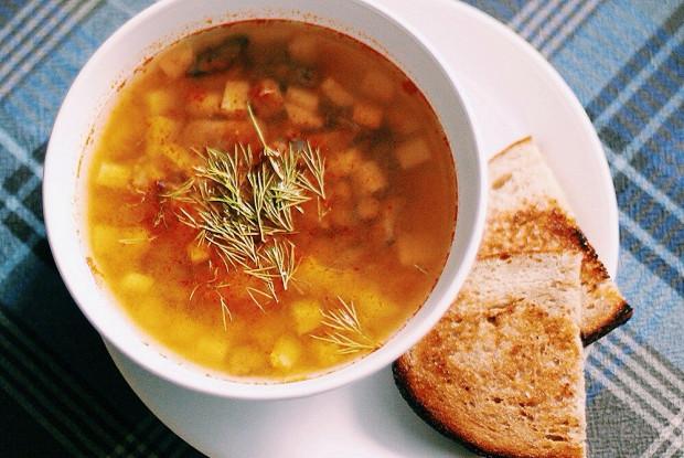 Чечевичный суп с цукини и маслятами