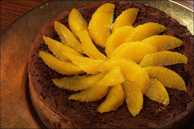 Трюфельный пирог с засахаренным сельдереем