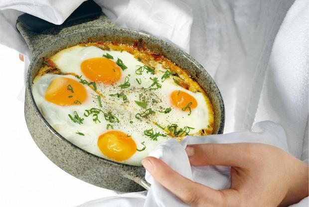 Запеченные яйца в восточном стиле