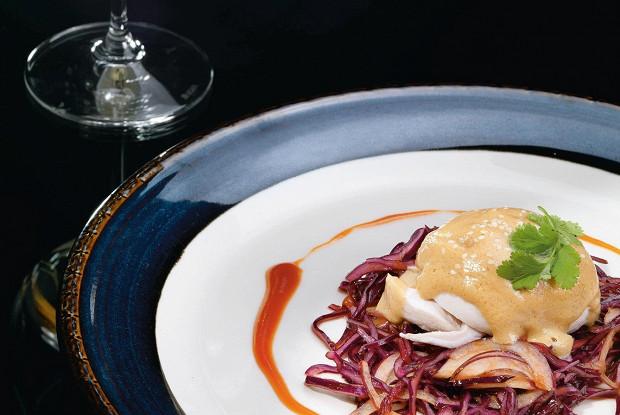 Салат из капусты и курицы в китайском стиле