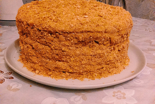 Медовый торт с кремом из бананов и вареной сгущенкой