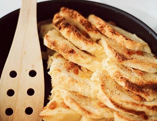 Хлебный пудинг с мускатным орехом