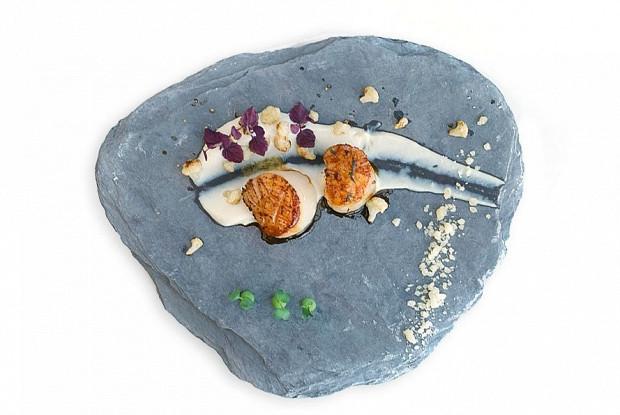 Морские гребешки с пюре из цветной капусты