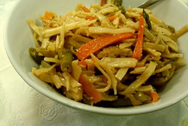 Лапша удон с овощами в соусе