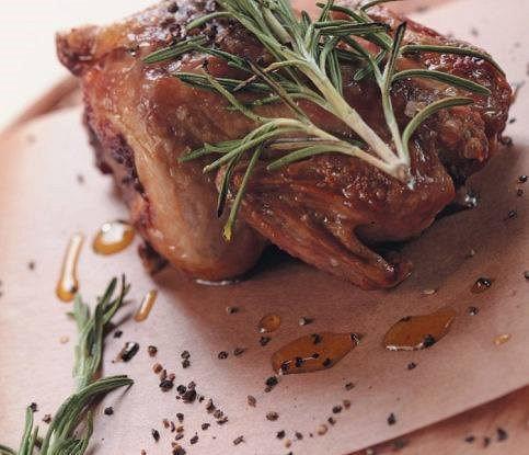 Цыплята с грушей и синим сыром