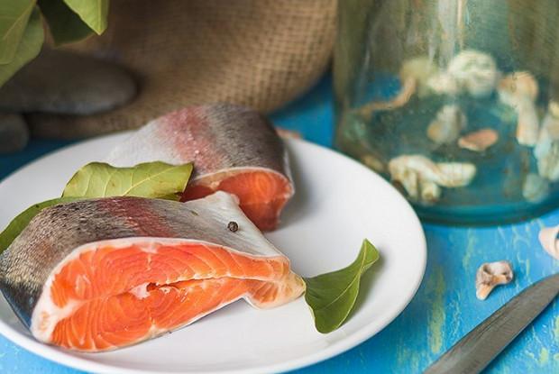 Красная рыба слабосоленая