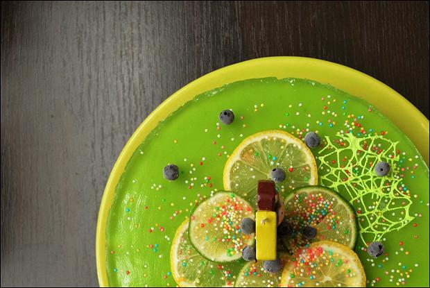 Торт желейный с печеньем без выпечки