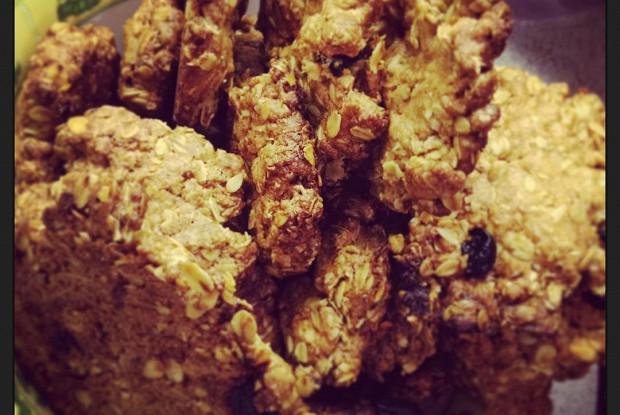 Овсяное печенье с кусочками цукатов